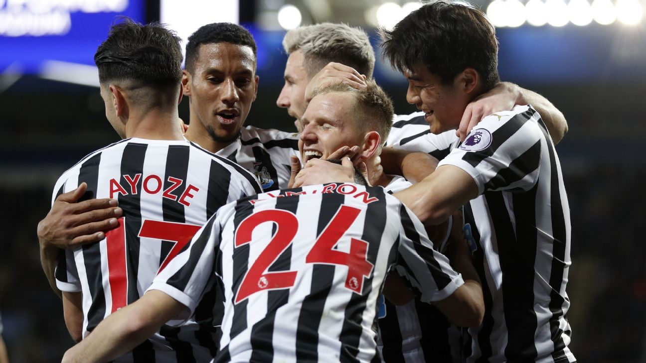Newcastle recover to win away with Perez header at Leicester