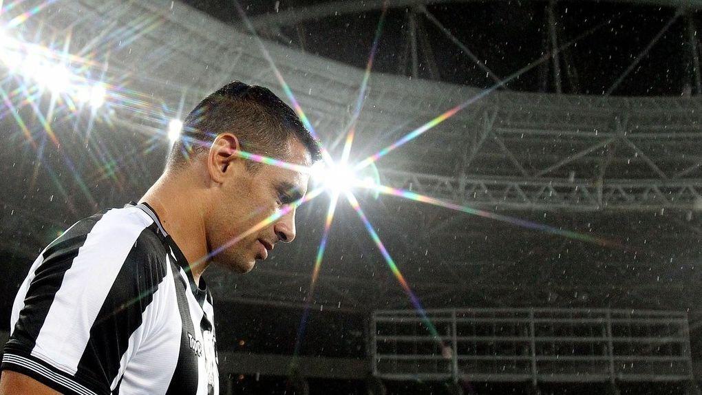Botafogo, Diego Souza não deve enfrentar o São Paulo no Brasileiro
