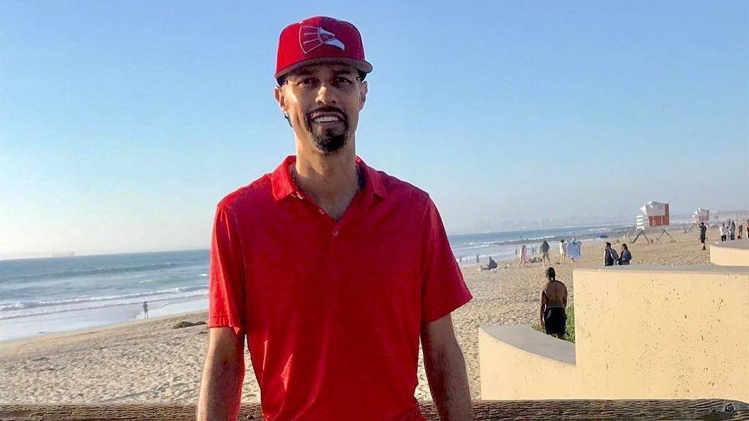 Esteban Loaiza se despide antes de entrar a prisión