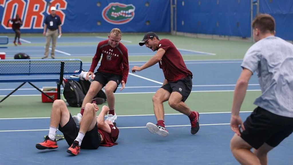 Gamecocks upset Aggies in SEC Tournament