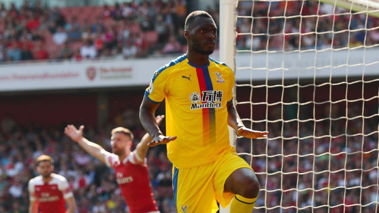 Arsenal perde para Crystal Palace com gol de Benteke e não ultrapassa Tottenham na Premier League