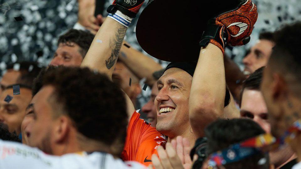 Cássio conquista nono título, supera lendas e se isola como maior campeão da história do Corinthians