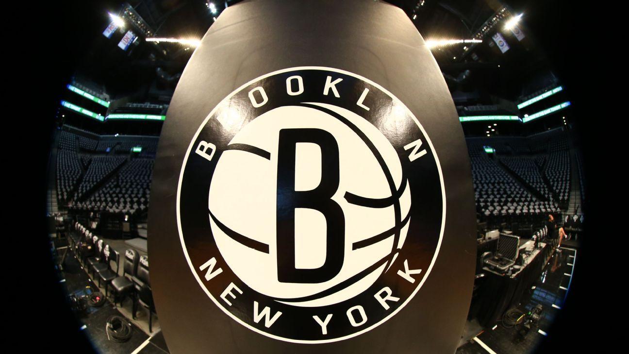 NBA multa con $35K a dueño minoritario de Nets por crìticas a réferis