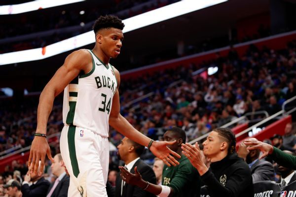 Giannis-led Bucks win first playoff series since '01