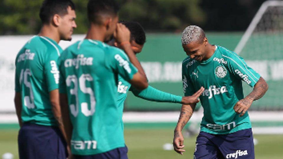 Ricardo Goulart desfalca o Palmeiras em jogo que pode selar vaga às oitavas