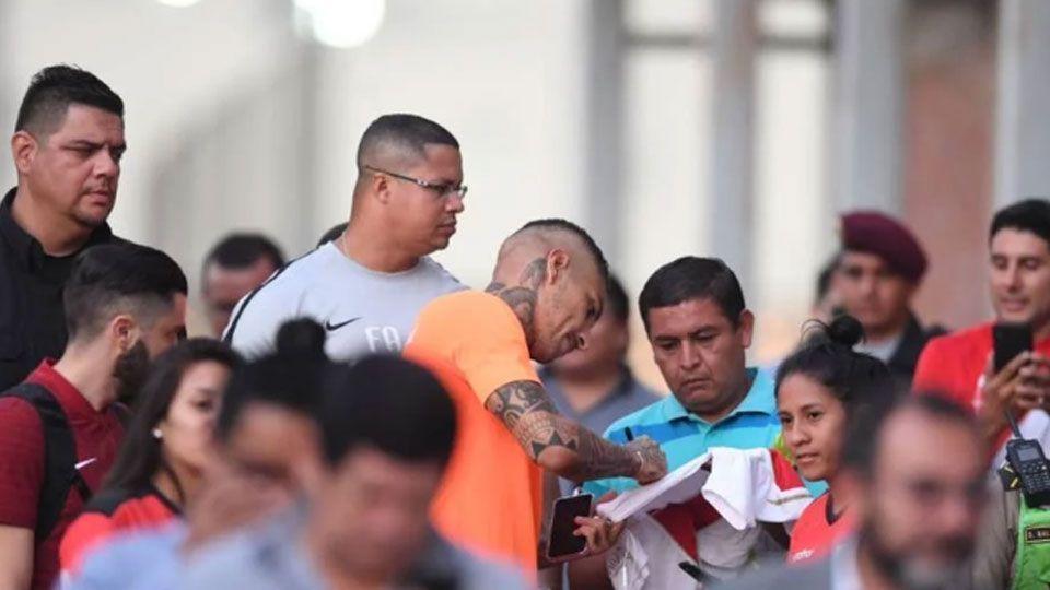 Com multidão de torcedores, Internacional finaliza preparação para enfrentar o Alianza Lima