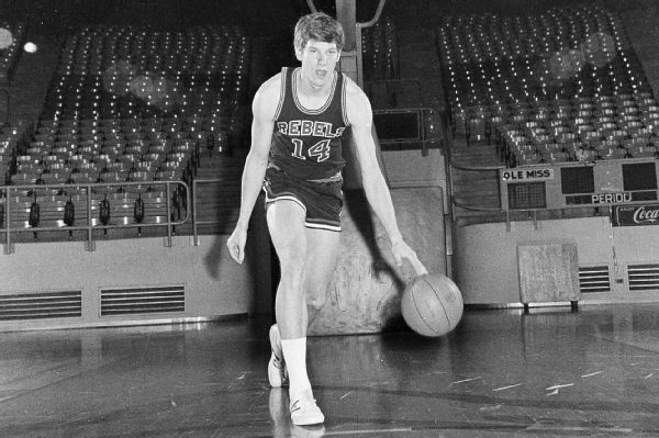 Ole Miss basketball legend Neumann dies at 68