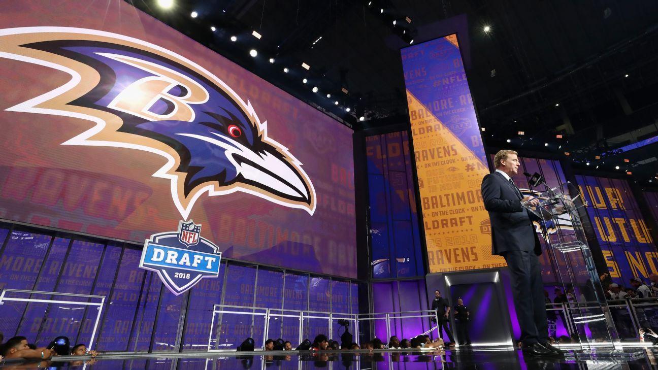 Fan invidente revelará selección de los Ravens con tarjeta en Braille
