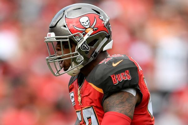 Bucs to pick up option on CB Hargreaves