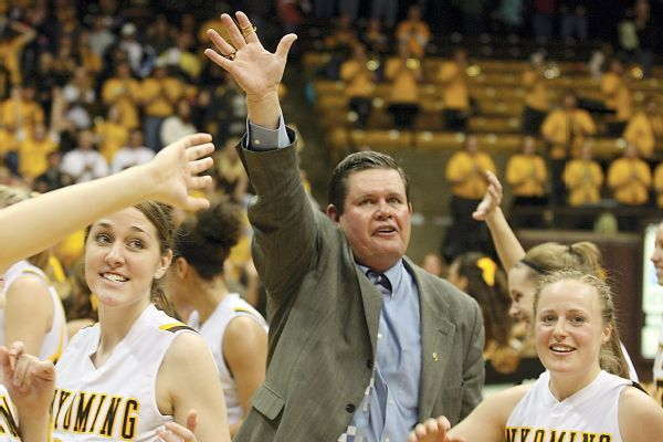 Wyoming coach Legerski retiring after 16 years