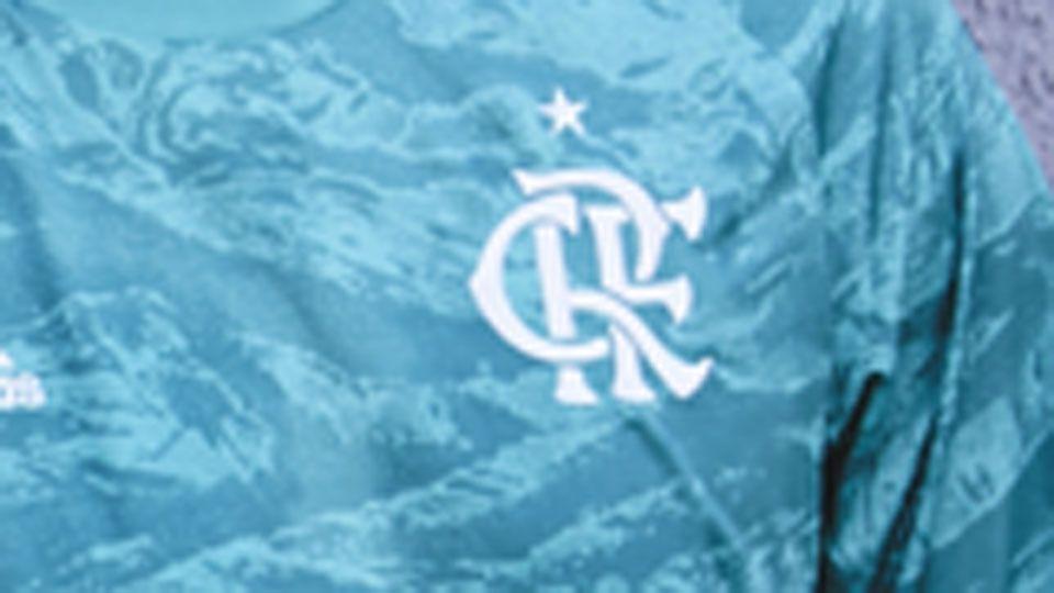 Flamengo e São Paulo ganham novas camisas de goleiro em tons de azul; veja como ficaram