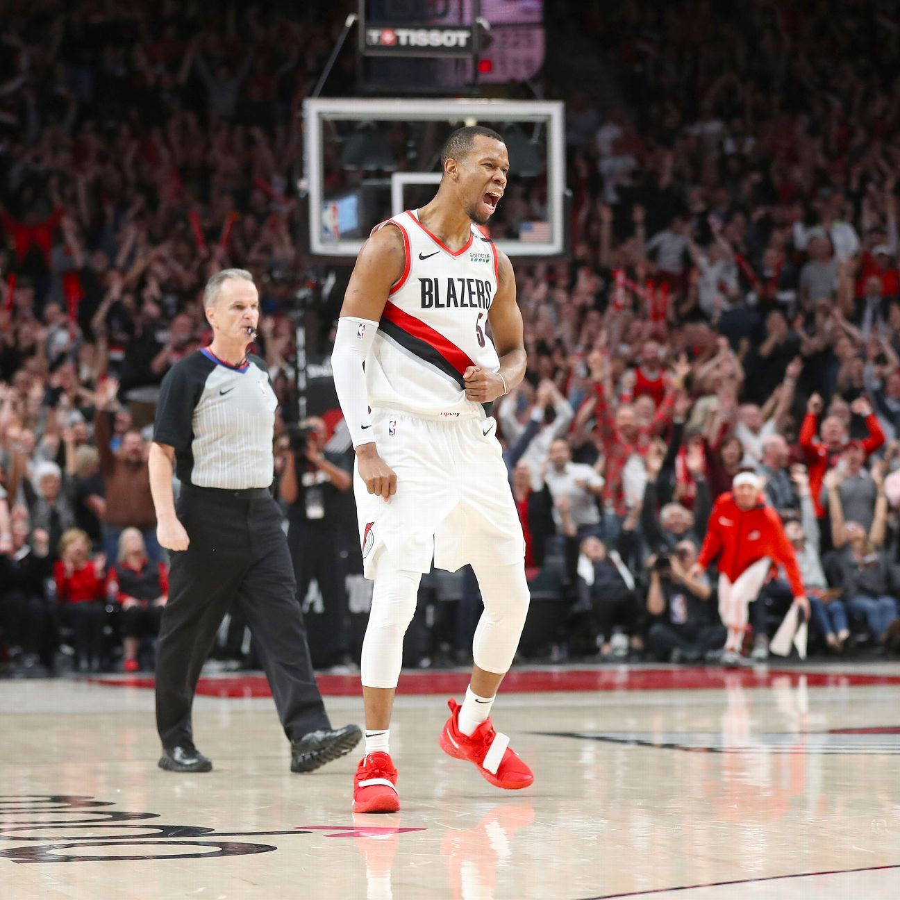 Blazers ride McCollum's 37 to 1st WCF since 2000