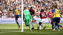 Arnautovic ends drought as West Ham sink Southampton