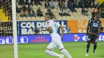 Paolo Hurtado selló la victoria del Konyaspor
