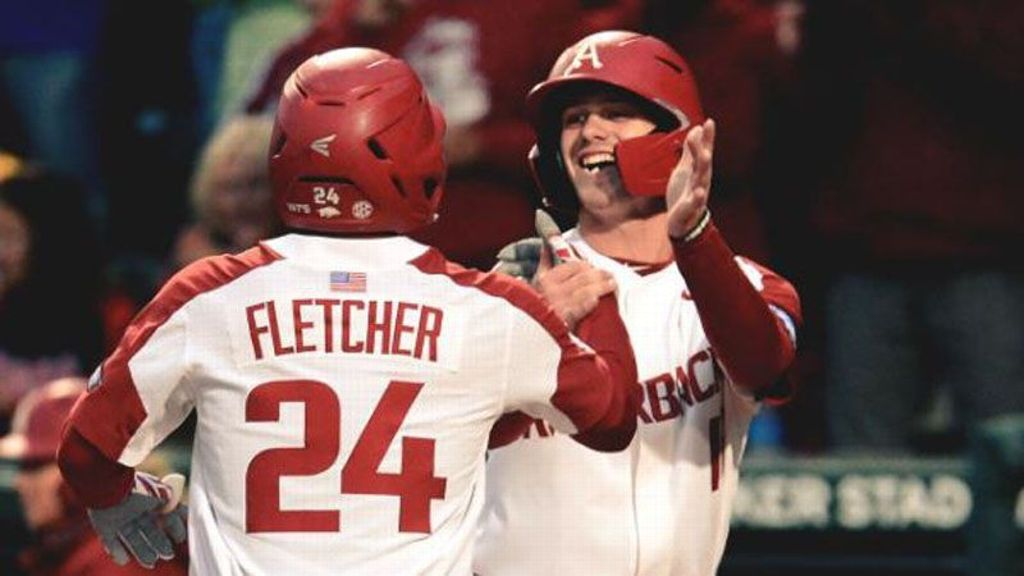 No. 4 Arkansas takes Game 1 over No. 17 LSU