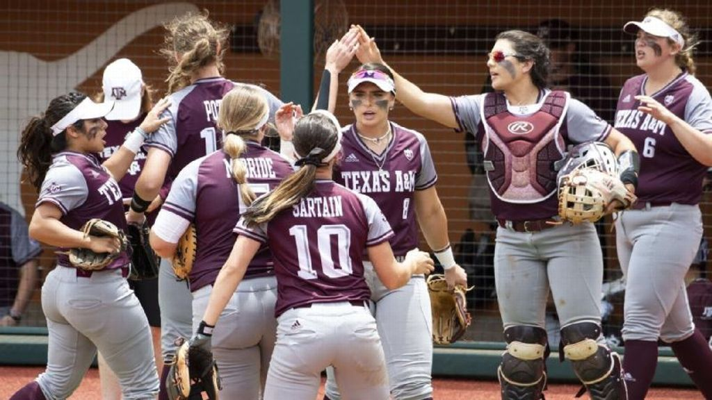 Texas A&M falls to Houston in Austin Regional