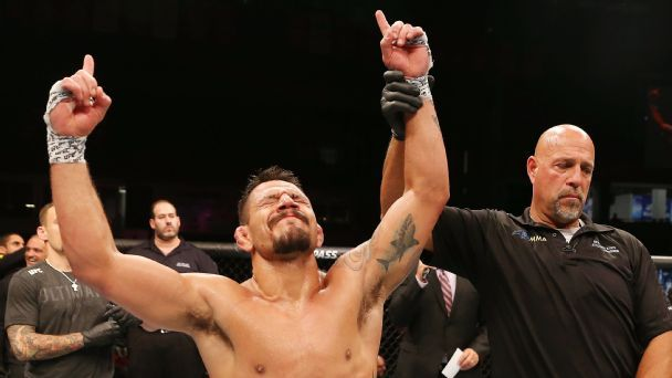 23 MMA thoughts, including why dos Anjos vs. McGregor should be revisited