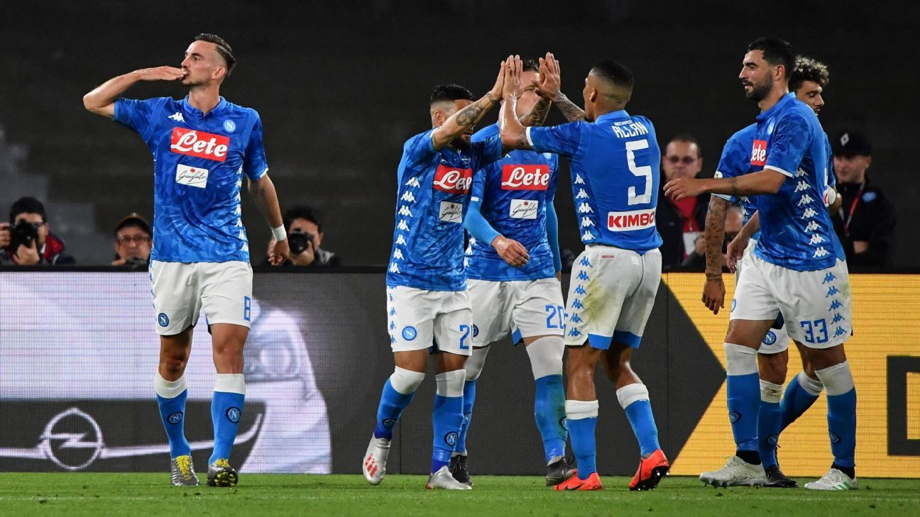Napoli hit four to dent Inter Milan's UCL chance