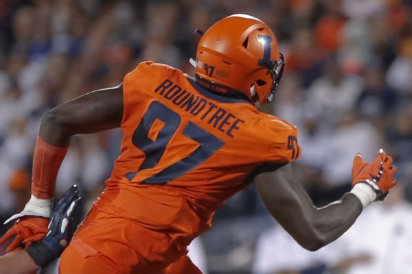 Illinois DL Roundtree suffers severe spinal injury