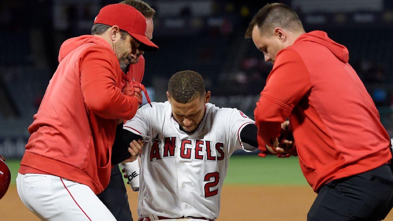 Angels coloca a Simmons en lista de lesionados