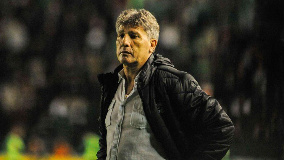 Renato Gaúcho responde críticos do Grêmio: 'Os cornetinhas têm que achar água no deserto'