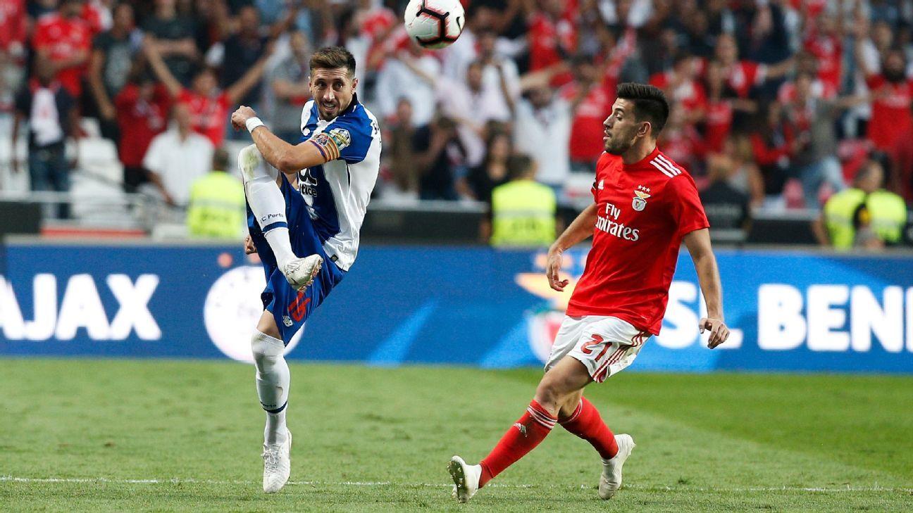 Técnico del Benfica llena de elogios a Héctor Herrera