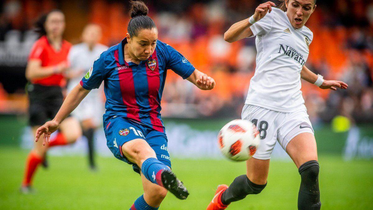 Gol de Charlyn Corral, mejor de la temporada en España