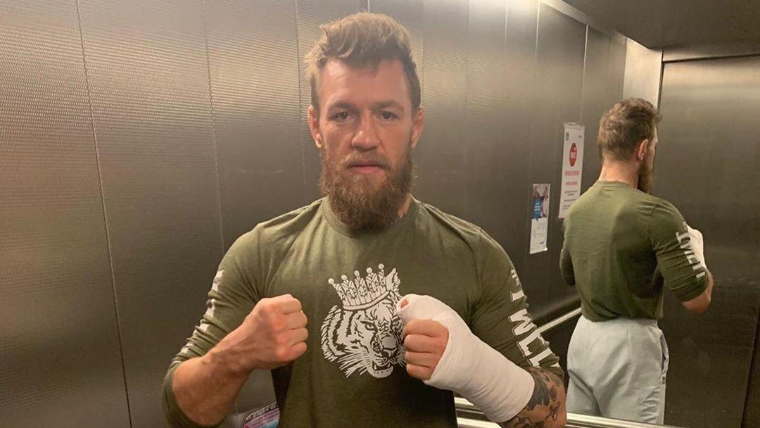Conor McGregor se lesionó la mano en sesión de sparring
