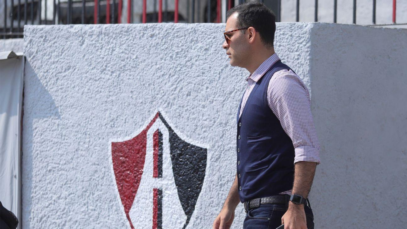 Los errores de Rafa Márquez como directivo del Atlas