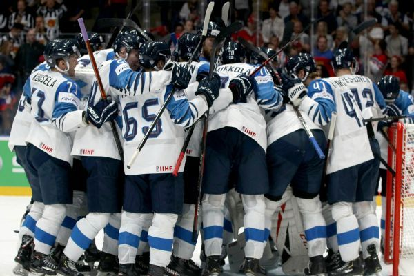 Canada, Finland set for world hockey title game