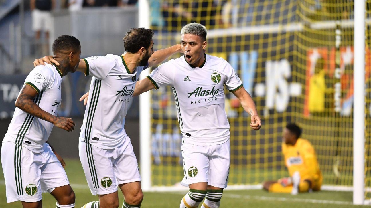 Fernandez scores twice as Timbers down Union