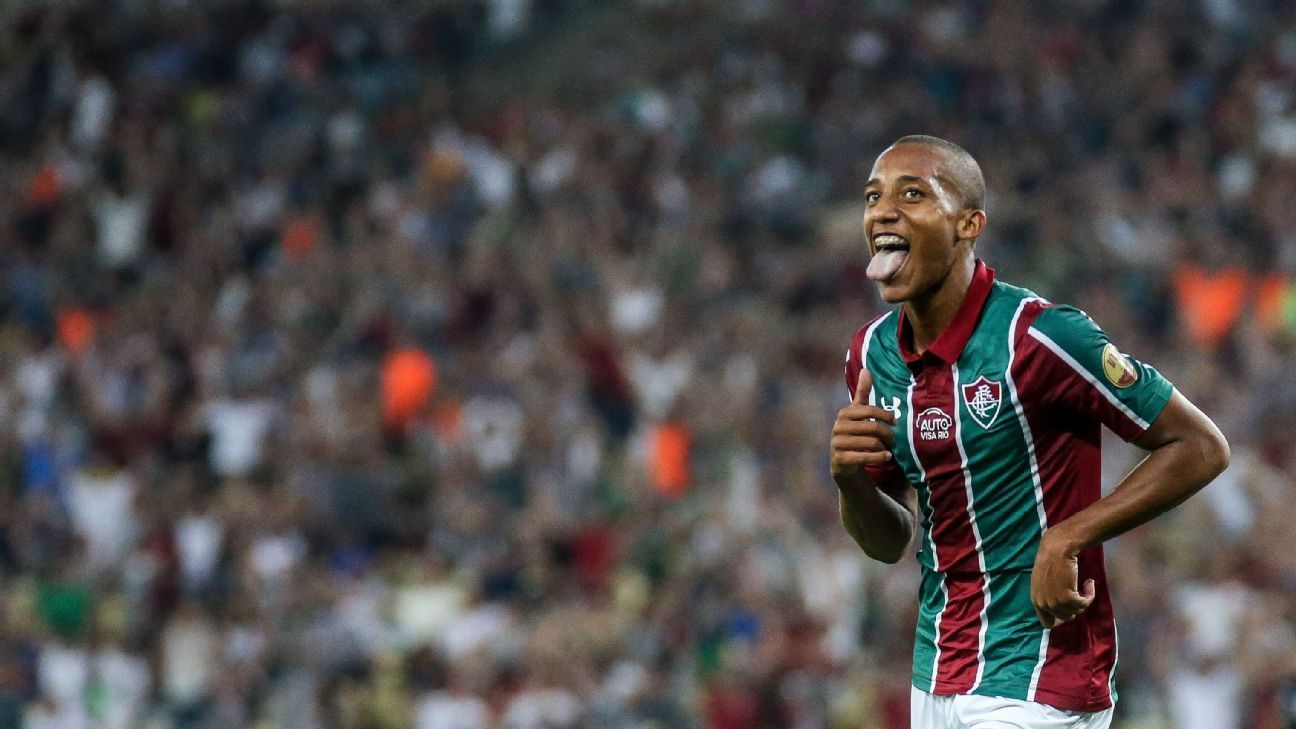João Pedro já tem números melhores que Romário, Messi e Cristiano Ronaldo em primeiro ano de carreira