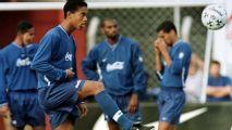 Ronaldinho recuerda gol y asistencia contra Chivas en 1998