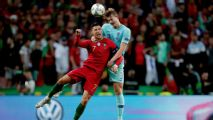 De Ligt laughs off Ronaldo's Juventus 'offer'