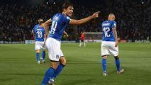 Itália: Federico Chiesa marca duas vezes pela seleção italiana e consegue o que o pai, Enrico Chiesa, nunca conseguiu