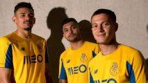 'Tecatito' Corona presenta uniforme alternativo del Porto