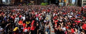Policía: cuatro heridos de bala y tres arrestos en desfile de Raptors