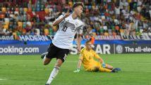Alemania inicia la defensa de su título con goleada