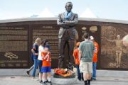 Broncos to honor Bowlen; won't rename stadium