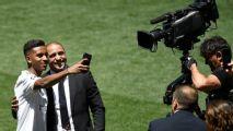 'Eu me identifico com Neymar e Robinho', diz Rodrygo em coletiva de apresentação no Real Madrid
