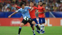 Cavani's goal gives Uruguay top spot over Chile
