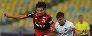 De volta ao Maracanã, lateral argentino relembra título pelo Independiente sobre o Flamengo