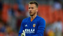 Barca sign Neto, include €200m buyout clause