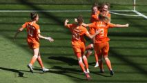 Netherlands beat Italy to book semifinal spot