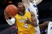 Iowa adds Valparaiso graduate transfer Evelyn