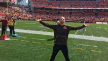 Browns' crowded bandwagon includes superfan wrestling stars