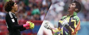 ¿Quién es mejor, Guillermo Ochoa o Jorge Campos? Lo que habían hecho a sus 34 años