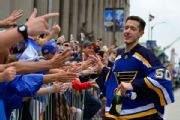 Goalie Binnington agrees to re-sign with Blues
