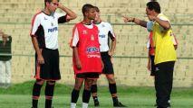 Justiça ordena penhora de dinheiro que Marcelinho Carioca receberá do técnico Vanderlei Luxemburgo