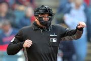 DiMuro, full-time MLB umpire since '99, retires